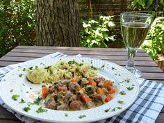 Répás-gombás ragu zsemlegombóccal - Gyors és finom receptek Pasta Salad, Pork, Ethnic Recipes, Kale Stir Fry, Cold Noodle Salads, Noodle Salads, Pork Chops, Macaroni Salad