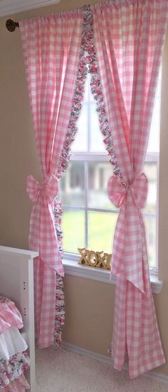 Pink Multi Spot 100/% cotton Curtain//Craft Fabric