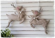 Christmas Decorations Sewing, Burlap Christmas Ornaments, Christmas Art Projects, Christmas Clay, Christmas Sewing, Christmas Makes, Primitive Christmas, Handmade Christmas, Holiday Crafts