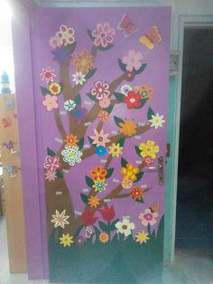 Ανοιξιατικη πορτα - παρουσιολογιο