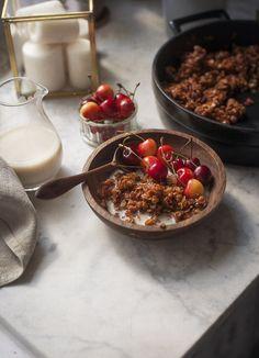 Truskawkowa granola – White Plate