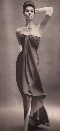 Harper's Bazaar, 1960                          Balenciaga  Photo by Richard Avedon