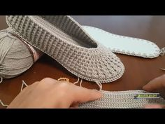 Crochet Socks Free Pattern Tunisian New Ideas Crochet Sandals, Crochet Boots, Crochet Slippers, Crochet Baby, Knit Crochet, Crochet Shoes Pattern, Shoe Pattern, Crochet Patterns, Chrochet