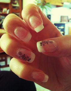 Con purpurina a granel!! Uñas de gel Romina (facebook)