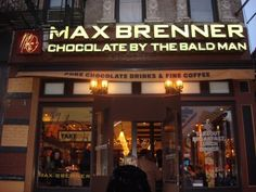 Max Brenner in Las Veags _ This place sounds amazing. Max Brenner Nyc, Oh The Places You'll Go, Places To Eat, Chocolate Stout, New York Christmas, Restaurant Offers, Nyc Restaurants, New York Travel, Facades