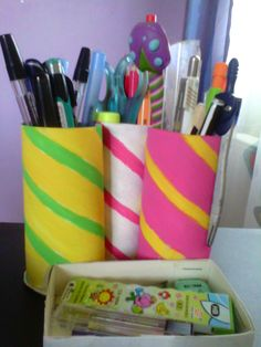 Cute diy pen&pencil holder, with office supplies tray. All made out of TP rolls and paint ^^