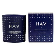 This deliciously fragranced Hav Scented Candle from Skandinavisk takes its name from the Nordic term for 'sea' and truly reflects the freshness of the majestic Scandinavian coastlines.