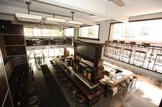 Benchmark, Chicago - central TV & bar