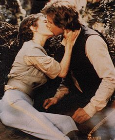 Leia and Han Han Solo Leia, Han And Leia, Romantic Movie Scenes, Romantic Movies, Fiction Movies, Science Fiction, Star Wars Episode 6, Princesa Leia, Original Trilogy