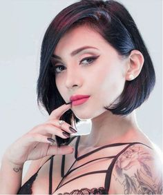 Hairstyle Ideas 2020 Black Bob Hairstyles 2020 New Modish Inverted Bob Haircuts and Hairstyles 2020 Bob Hairstyles 2018, Black Bob Hairstyles, Side Bangs Hairstyles, Classy Hairstyles, Medium Hairstyles, Latest Hairstyles, Short Hair Lengths, Short Hair Cuts, Short Hair Styles