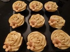Coffee and almond cupcakes