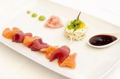 Dish of the day: Tuna & Salmon Sashimi Salad at La Oliva. Photography by Sofía Gómez Fonzo