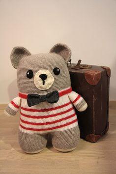 Tuntematon Tuunaaja: Virkattu raitapaitainen nalle // Crochet teddybear Crochet Patterns, Teddy Bear, Toys, Crafts, Animals, Amigurumi, Animales, Animaux, Crochet Granny