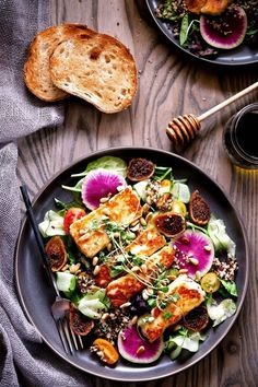 Have you ever tried halloumi? This squeaky cheese is firm enough to be grilled and so good! Try it for yourself in a Halloumi Salad with Quinoa and Dried Figs Fig Recipes, Raw Food Recipes, Vegetarian Recipes, Dinner Recipes, Cooking Recipes, Healthy Recipes, Recipes With Figs, Grilled Halloumi, Gourmet
