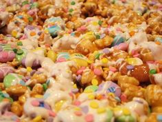 Easter Caramel Corn! Fun idea for kids :) scroll down page to find recioe