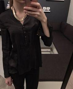 Krásná sátenová halenka/košile zn. H
