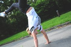 Calisthenics and Street Workout Girl doing Handstand :) In one year you will regret you didn't begin today! Gornation Sportswear on www.gornation.de for individual Calisthenics and Street Workout Athletes