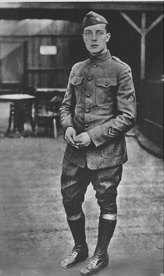 WWI-Buster Keaton served with the 40th Division in France during World War One.