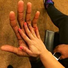 Kawhi Leonard's hands are ENORMOUS!!!