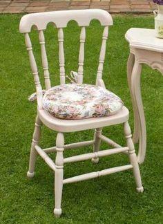 SE VENDE SILLA!  silla tipo suizo color rosado palo de rosa, con un cojin tapizado en gobelino!! PRECIO 200.000 MIL PESOS (NEGOCIABLES)