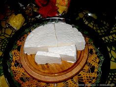 Everything about Greek cheese making: feta and mizithra etc. Food Network Recipes, Food Processor Recipes, Cooking Recipes, How To Make Cheese, Food To Make, Greek Appetizers, Greek Cheese, The Kitchen Food Network, Homemade Cheese