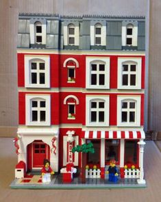 Lego Modular Building Hotel and Town House: A LEGO® creation by Terry Roberts : MOCpages.com