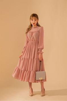 Nice to meet chuu;), The dressy silhouette is a very attractive dress-♡. Korean Fashion Dress, Muslim Fashion, Asian Fashion, Modest Fashion, Hijab Fashion, Fashion Dresses, Fashion Men, Modest Dresses, Cute Dresses