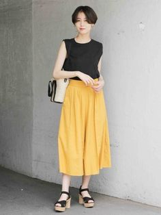 スタイリング詳細 | [公式]ローリーズファーム (LOWRYS FARM)通販 Out Of The Closet, Office Wear, Asian Beauty, Midi Skirt, Summer Outfits, Comfy, Skirts, How To Wear, Vintage