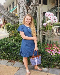 Draper James denim dress, Jack Rogers, Barrington Gifts tote Classic Outfits, Classic Style, Barrington Gifts, Draper James, Jack Rogers, Preppy Style, Botanical Gardens, Singapore, Orchids