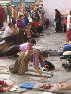 Lhasa Tibet* Arielle Gabriel writes about miracles and travel in The Goddess of Mercy & The Dept of Miracles also free China toys and paper dolls at The China Adventures of Arielle Gabriel *