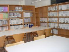 Sala de lectura y fondo de acceso libre