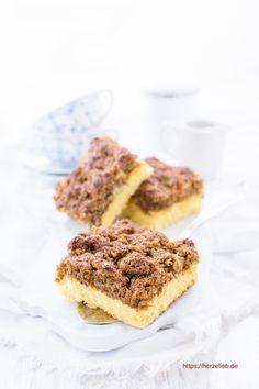 Rezept für einen klassischen, dänischen Drømmekage! In Dänemark gehört er zu den Klassikern und er ist auf jedem Kuchentisch zu finden. Wenn du also einen einfach zu backenden Kuchen suchst, der superlecker schmeckt, dann bist du hier genau richtig!