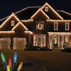 Top 23 Outdoor Christmas Lighting Ideas Illuminate The Holiday Spirit ~ Idees And Solutions Exterior Christmas Lights, Christmas Lights Outside, Hanging Christmas Lights, Christmas House Lights, Xmas Lights, Outdoor Christmas Decorations, Holiday Lights, Icicle Lights Outdoor, Outdoor Lighting