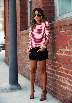 #denimshorts #denim #shorts #wardrobestaples #styling #style #personalstyling #elishacasagrande