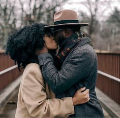Why not celebrate by showing beautiful photos of naturals and their beaus? Here are our favorite couples featured on Fros&Beaus. Black Love Couples, Cute Couples, Photo Couple, Couple Shoot, Beautiful Couple, Black Is Beautiful, Fred Instagram, Couple Noir, Love Jones