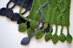 Tendril scarf w/cables & intarsia by Fiona Oliver (free on Ravelry until Jan 15, 2015)