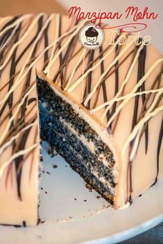 Marzipan poppy seed cake with plum cinnamon jam [Weihnachtsklassiker] – Man bakes Winter Torte, Poppy Seed Cake, Sugar Scrub Homemade, Cheesecake, How To Cook Ham, Puff Pastry Recipes, Spinach And Feta, Cream Cheese Filling, Artisan Bread