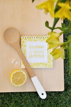 """Le petit carnet """"les copains, c'est comme la limonade"""" by Ouistiti x Saperlipapier : cahier de recette, mini livre d'or... Photo @Ouistiti Tapas, Garden Boxes, Comme, Or, Party, Mini Books, Casket, Lemonade, Window Boxes"""