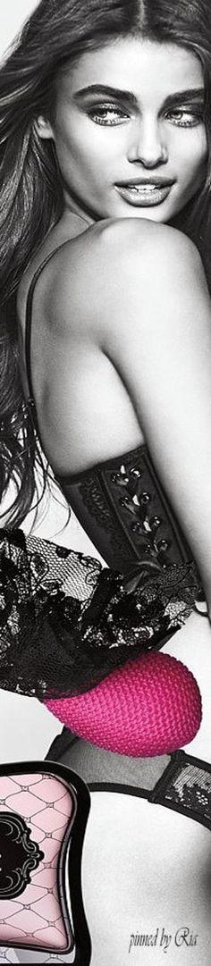 Taylor Hill For Victoria`s Secret Eau de Parfum Collection l Ria