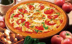 5種類の野菜たっぷりのヘルシーピザ Combination トマト(スライスカット)、コーン、マッシュルーム、ピーマン、オニオン