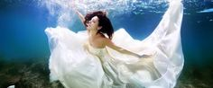 Brides Literally Take The Plunge For Stunning Underwater Portraits