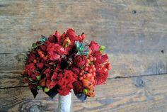 Ramo de novia rojo de Mayula Flores #bridalbouquet #spain