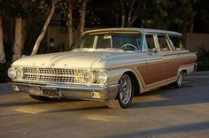 1961 Ford Galaxie COUNTRY SQUIRE WAGON