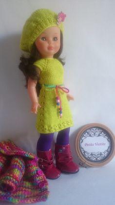 Hecho a mano por: petitsvestis@gmail.com Crochet Hats, Dolls, Vestidos, Creativity, Crochet Doll Dress, Handmade Accessories, Angel Wings, Knitting, Knitting Hats