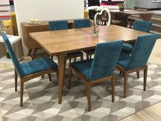 Nuevo comedor Oslo hecho para crear ambientes únicos. Ven y conoce la nueva colección de comedores,camas, mesas de centro y el color escandinavo. ¡Te sorprenderás con los productos y precios de lanzamiento! http://mueblestendenza.com/