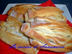 MANTOVANINE - Qui la #ricetta #BlogGz: http://blog.giallozafferano.it/lacucinadiannama/le-mie-mantovanine-ricetta-pane/ #GialloZafferano #mantovane #pane