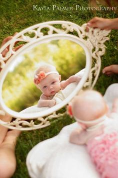 Baby girl. Photos. Photo shoot. Photography. Newborn. 4 month. Pink. Mirror.