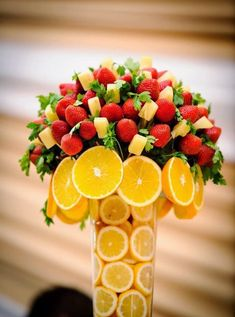 Sweet Home: fruit platter / centerpiece