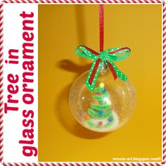 Tree in glass ornament / Baum in Kugel Mini Christmas Tree, Christmas Bulbs, Christmas Crafts, Xmas, Halloween Crochet, Paddys Day, Glass Ornaments, Diy Crafts, Crafty