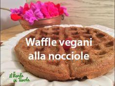 Waffle vegani alla nocciole senza uova e latte